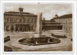 BOLOGNA PIAZZALE STAZIONE FERROVIARIA 1939  VIAGGIATA FG - Bologna
