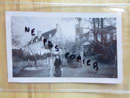 53 CRAON 1935 LE CURE - EGLISE PLACE SAINT CLEMENT - PHOTOGRAPHIE - MAYENNE - Craon