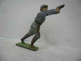 FIGURINE SOLDAT - MILITAIRE GUERRE 1914 1918 Poilu Au Pistolet WW1 - GM LR DC HR PLOMB CREUX CBG ? - Soldats De Plomb