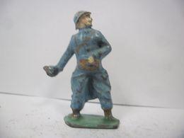 FIGURINE SOLDAT - MILITAIRE GUERRE 1914 1918 Poilu à La Grenade WW1 - GM LR DC HR PLOMB CREUX CBG ? - Soldats De Plomb
