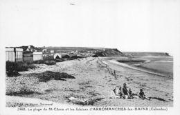 Arromanches Les Bains (14) - La Plage De St Côme Et Les Falaises - Non Classés