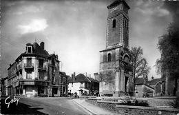 Nort Sur Erdre * Rue Des Martyrs Du Maquis Et Place De L'église - Nort Sur Erdre