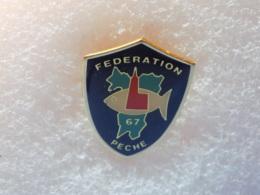 PINS LOT8                          891 - Badges