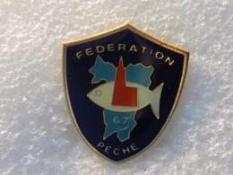 PINS LOT8                          1032 - Badges