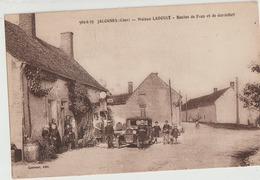 Jalognes  18   Maison LADOUET -Café_Route De Feux Et De Gardefort Tres Tres Animée-Voiture Et Pompe A Essence - Andere Gemeenten