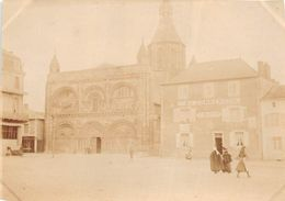 """CIVRAY  -  Cliché Albuminé De L'Eglise Et Le Commerce """" Au Commerce """" Tenu Par """" V. MARTIN """" En 1906  - Voir Description - Civray"""