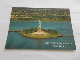 THE STATUE OF LIBERTY  NEW YORK  ( USA UNITED STATES ) VUE GENERALE AERIENNE - Freiheitsstatue
