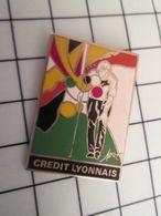 115d Pin's Pins / Rare Et De Belle Qualité !!! THEME SPORTS / PETANQUE LES BOULISTES DU CREDIT  LYONNAIS !!! Par DECAT - Pétanque