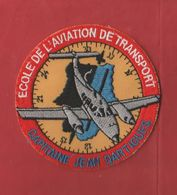 écusson Brodé Militaire école D'aviation De Transport Capitaine Jean Dartigues - Ecussons Tissu