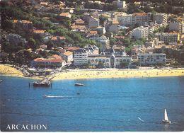33 - Arcachon - La Jetée Et Le Casino Bordés Par La Plage - Arcachon