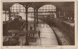 UK - Newcastle Upon Tyne - Central Railway Station - West Platform - Newcastle-upon-Tyne