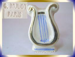Clamecy ... MULOT Paris.. Les Arts De La Poésie, La Lyre OR... Ref AFF : 19-1994 .. (1994) - Oude