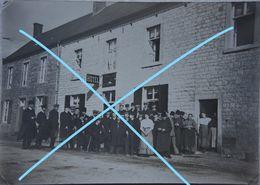 Photo FALMIGNOUL Région Waulsort Walzin Hulsonniaux Hôtel Animé 1909 - Places
