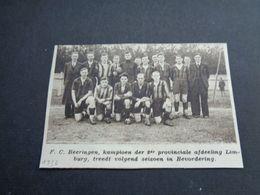 """Origineel Knipsel ( 4750 ) Uit Tijdschrift """" Zondagsvriend """"  1936 :  Voetbal  Ploeg Van F.C. Beeringen - Vieux Papiers"""