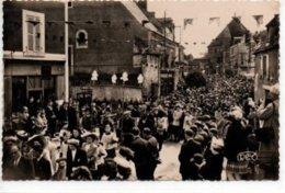 Neuvy-Saint-Sépulcre-Lundi De Pâques-Procession Du Précieux Sang - France