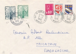 "MADAGASCAR TAXE 41 + 44 1F + 4F  Obl "" TAMATAVE PRINCIPAL 2/7/76 "" Sur Lettre De FRANCE - Madagascar (1889-1960)"