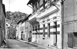 LA GARDE- FREINET -  1962 - LA POSTE ET RUE DE LA POSTE - CARTE SEMI- MODERNE - La Garde Freinet