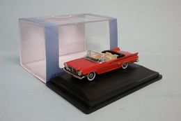 Oxford - CHRYSLER 300 Convertible 1961 Rouge Voiture US Neuf HO 1/87 - Baanvoertuigen