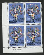 """MONACO N° 1078 Cote 10 € Bloc De 4 Neuf ** (MNH) Avec Coin Daté Du 1/7/76 """"Festival International Du Cirque"""" TB/VG - Monaco"""