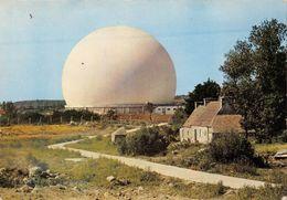 """2 CPSM Pleumeur-Bodou - Le Centre De Télécommunications Par Satellites -""""  Le Radome """" - ♦ - Pleumeur-Bodou"""
