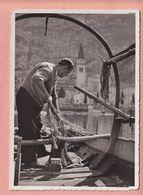 OUDE POSTKAART ZWITSERLAND - SCHWEIZ -  SUISSE -   BISSONE - PESCATORE - 1940'S - TI Tessin
