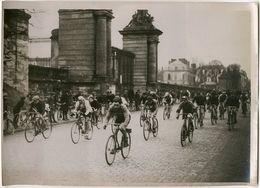 Photo Argentique Vélo Course Dunlop à Versailles Vers 1930 - Cyclisme