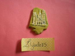 Feve PERSO En Porcelaine - CATHEDRALE -  Serie LA FROMENTERIE ROUEN 1996 ( Feves Figurine Miniature ) RARE - Regionen