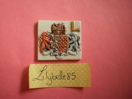 Feve PERSO Ancienne En Porcelaine LETTRE L - RIGAL 1997 ( Feves Figurine Miniature ) - Regionen