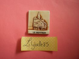 Feve PERSO Ancienne En Porcelaine LE BEFFROY - DENIS 1998 ( Feves Figurine Miniature ) - Regionen