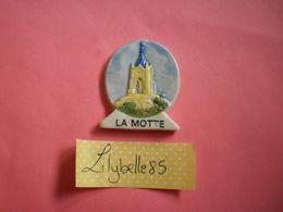 Feve PERSO Ancienne En Porcelaine LA MOTTE - AVOSCAN 1996 ( Feves Figurine Miniature ) - Regionen
