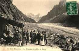 74 - CHAMONIX - Le Chapeau Et La Mer De Glace - Chamonix-Mont-Blanc