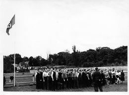 Rue Du Canal, Montigny-lès-Metz  Groupe De Sportive Drapeau Allemand  1939-45 - Guerre, Militaire