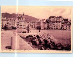 20 BASTIA : Vue D'ensemble Au Vieux Port   (trace Blanche , Défaut Du Scan )    * - Bastia