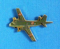 1 PIN'S //  ** LE BREGUET Br 1150 ATLANTIC / AVION DE PATROUILLE MARITIME ** . (J.Y. Ségalen Collection) - Militaria