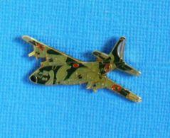 1 PIN'S //  ** AVION MILITAIRE / TRANSPORT / SUPER HERCULES KC-130J ** . (J.Y. Ségalen Collection) - Militaria