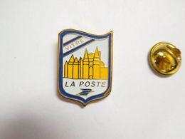 Beau Pin's , La Poste De Vitré , Blason , Ille Et Vilaine - Postes