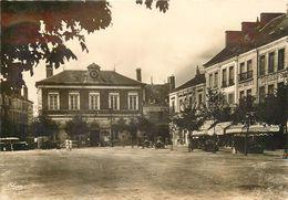36 CHATEAUROUX - LA PLACE DU MARCHE ET DE LA MAIRIE EN 1943 - Chateauroux
