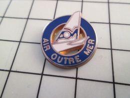513e Pin's Pins / Rare & Belle Qualité !!! THEME AVIATION / COMPAGNIE AERIENNE AIR OUTRE MER ça Fleure Bon La Chiraquie! - Airplanes