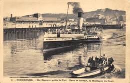 Cherbourg - Un Steamer Quitte Le Port - Cherbourg