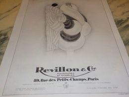 ANCIENNE PUBLICITE FOURRURE ET MODELES  REVILLON 1928 - Vintage Clothes & Linen