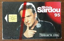 MICHEL SARDOU 1 TÉLÉCARTE 5 UNITÉS RÉFÉRENCE PHONECOTE Gn198 PHONECARD PHONE CARD - Personnages