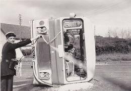 PHOTOGRAPHIE ORIGINALE  Accident De Car 1961 - Automobile