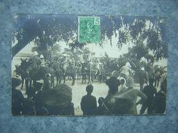 CARTE PHOTO - VIETNAM - TONKIN - QUANG-YEN - DEFILE COLONIALE ? - SOLDATS - Viêt-Nam