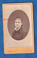 Photo Ancienne CDV Vers 1880 - LA CHARITé Sur LOIRE - Portrait Jeune Femme De La Ville - Photographe G. Molino - Fille - Ancianas (antes De 1900)