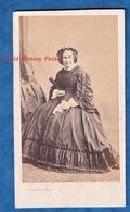 Photo Ancienne CDV Vers 1860 - PARIS - Portrait De Femme - Ecrivaine ? Personnalité Robe Mode Photographe Bisson Frères - Fotos