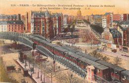 Paris - Le Métropolitain - Métro Parisien, Gares
