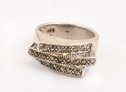 Ezüst(Ag) Háromsoros Gyűrű, Markazit Kövekkel, Jelzett, Méret: 53, Bruttó: 7 G - Jewels & Clocks