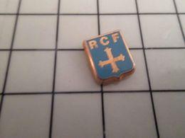 316a Pin's Pins / Rare & Belle Qualité !!! THEME : AUTRES / MINI PIN'S RCF CROIX PATTEE Modèle Métal Jaune RETRO-CATHO-F - Pin's
