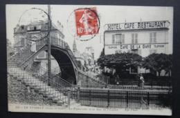 CPA N° 112 - Le Vésinet- La Passerelle Et La Rue De L'église (Café De La Gare) N.D. Phot. - Oblitérée En 1913 - Le Vésinet