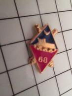 316a Pin's Pins / Rare & Belle Qualité !!! THEME : MILITARIA / EMBLME DU 68e REGIMENT DE ..... ARTILLERIE PITÊTRE ? - Militaria